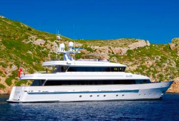 Cruzan_Yacht_Alcor